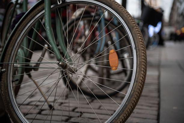 Pyöräilijä kuoli varhain perjantaiaamuna Tampereella. Kuvituskuva.