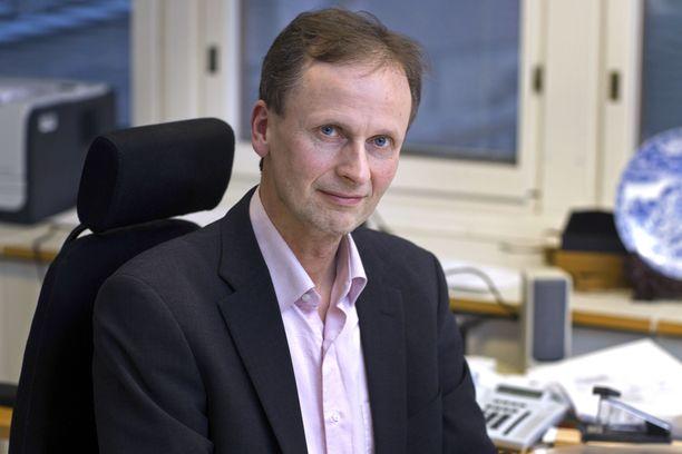Rikosoikeuden professori Kimmo Nuotio selittää EU:n tietosuoja-asetuksen sanktiomallia.
