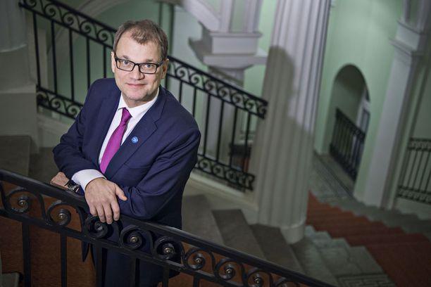 Pääministeri Juha Sipilä (kesk) avautui kohtelustaan Ilta-Sanomien haastattelussa.
