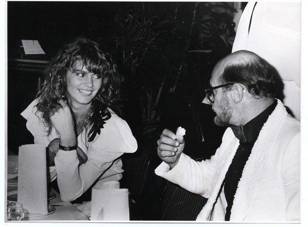 Vuonna 1982 Spede kohtasi Miss Euroopan, Riitta Väisäsen.