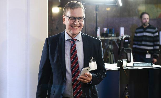 Atte Jääskeläinen erosi Ylen päätoimittajan tehtävästä.