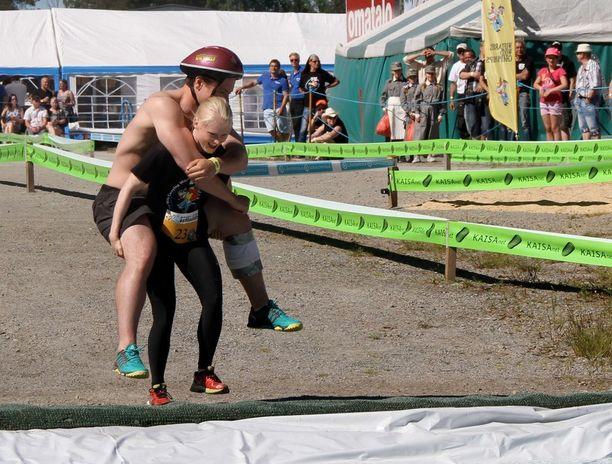 Jesper Okko-Olausson ja Petra Vainio, Ruotsi.