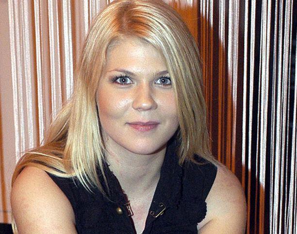 Katri Ylander nousi julkisuuteen Idols- tv-ohjelmasta.
