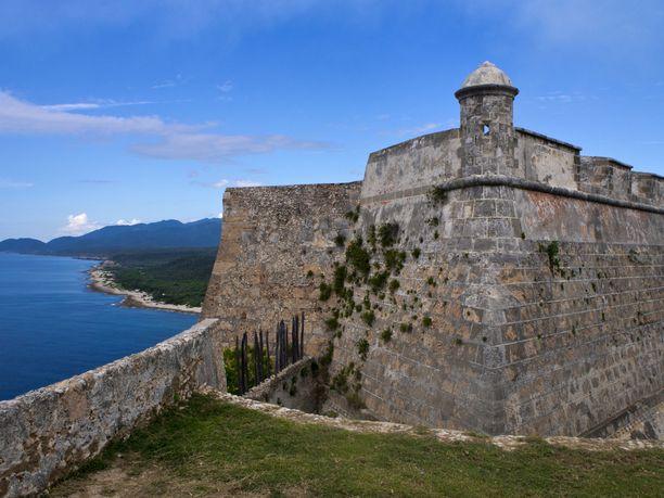 Castillo del Morro on maisemiltaan upealla paikalla. Linnoituksen monissa kerroksissa ja sopissa riittää koluttavaa.