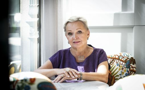 """Kirjailija Raija Oranen, 72, ei ole sopeutunut ajatukseen lähestyvästä kuolemasta: """"Masentaa minua kyllä"""""""
