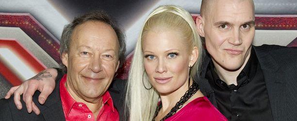 X Factor -tuomarit eivät enää ensi viikolla pääse valitsemaan lopullista putoajaa, vaan valta siirtyy kokonaan yleisölle.