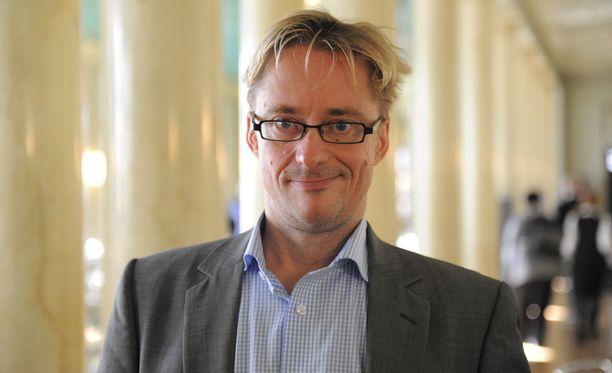 Mikael Jungner arvioi, että hänen ehdottamastaan järjestelystä tulisi vuosittain noin puolen miljoonan euron kustannukset.