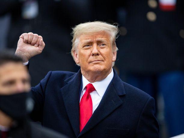 Donald Trump on tyytymätön kongressin hyväksymään koronatukipakettiin.