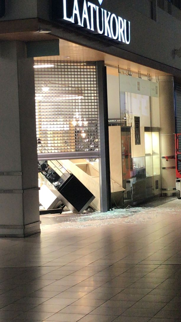 Laatukoru-liikkeeseen murtauduttiin kauppakeskus Jumbossa Vantaalla.