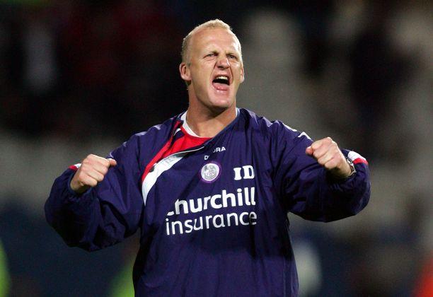 Crystal Palace nousi ja putosi manageri Iain Dowien alaisuudessa.