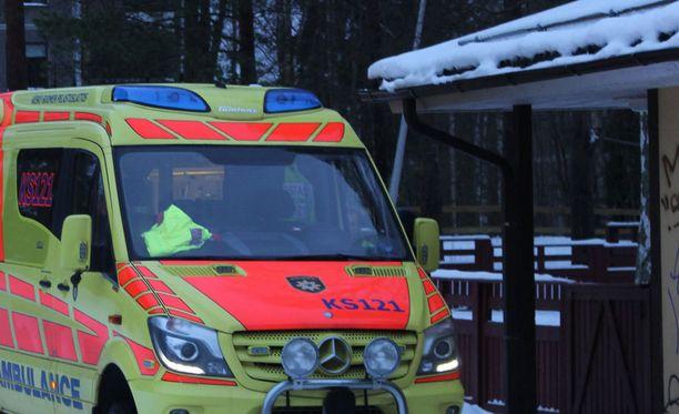 Kolari tapahtui tiistai-iltana yhdeksän aikaan Kajaanintien ja Oulun yliopistollisen sairaalan risteyksessä. Arkistokuva ei liity tapahtumiin.