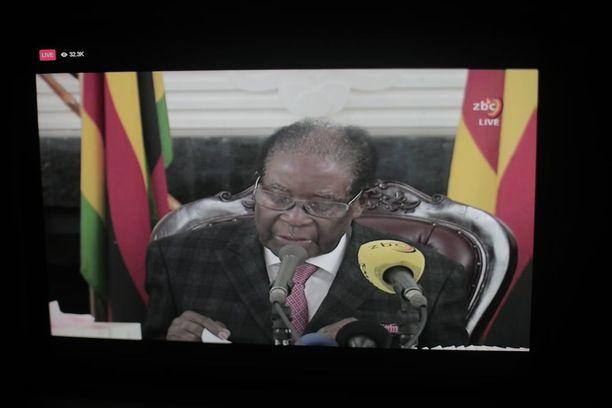 Mugabe piti sunnuntaina hämmentävän tv-puheen, jossa hän ei monen yllätykseksi ilmoittanut erostaan.
