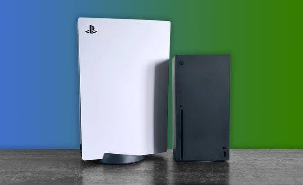 Playstation 5 on selvästi Xbox Series X:ää suurempi.