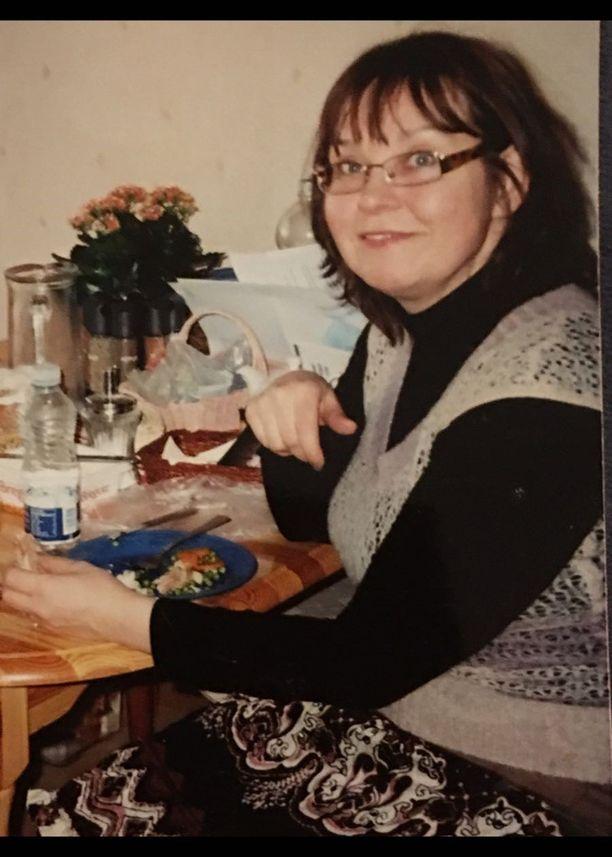 Kuva vuodelta 2010, jolloin Aili havahtui ja aloitti elämäntapamuutoksensa.