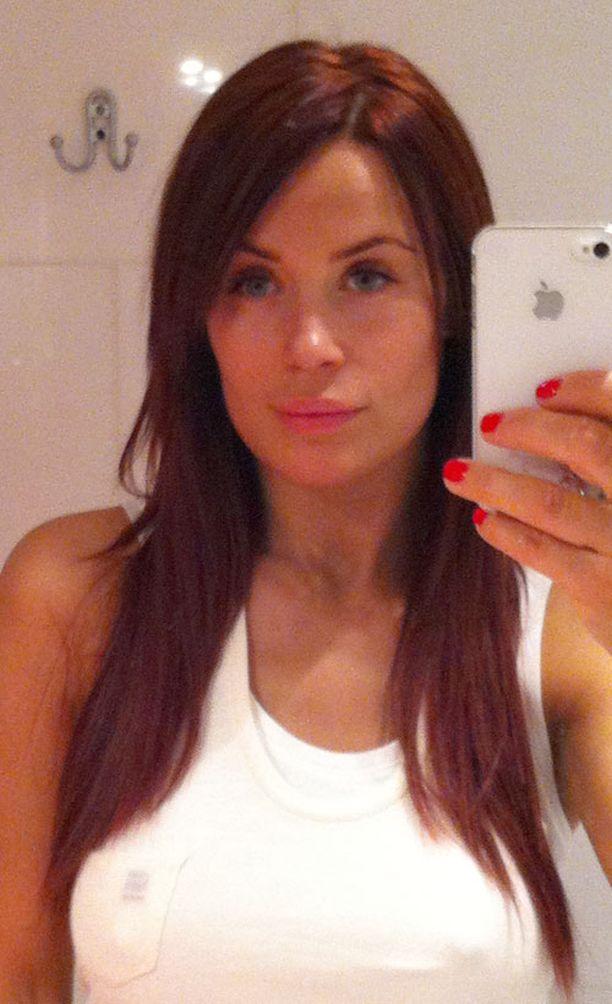 Tänään karkauspäivänä Martinan tukka muutettiin punertavaksi.