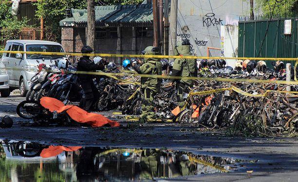 Iskujen sarjassa kuoli ainakin 13 ihmistä ja noin 40 haavoittui.
