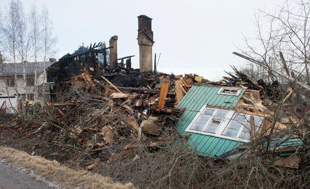 Tuhoisassa palossa menehtyi viiden lapsen äiti ja neljävuotias poika.