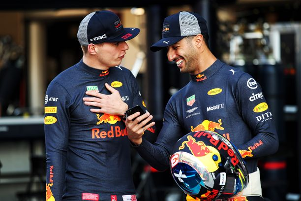 Max Verstappen oli selvästi Daniel Ricciardoa nopeampi viime kaudella, sanoo Helmut Marko.