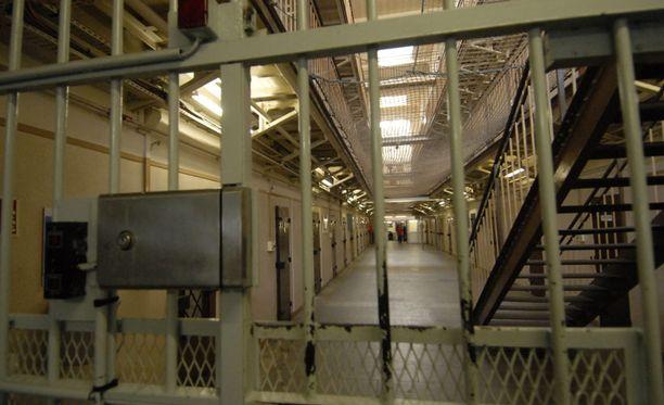 Norjan surmaajaa odottavat stereotypioita huomattavasti modernimmat vankilaolot. Kuva yhdysvaltalaisesta vankilasta.