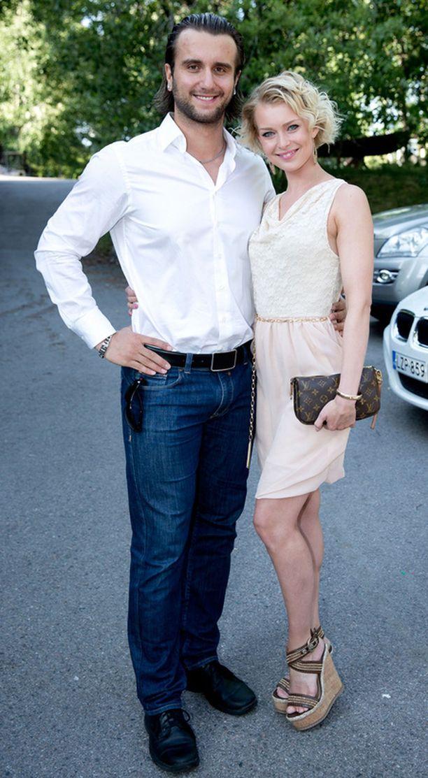 Kia Lehmuskosken ja Nikita Koutchérenkon suhde on päättynyt jo puolitoista vuotta sitten.