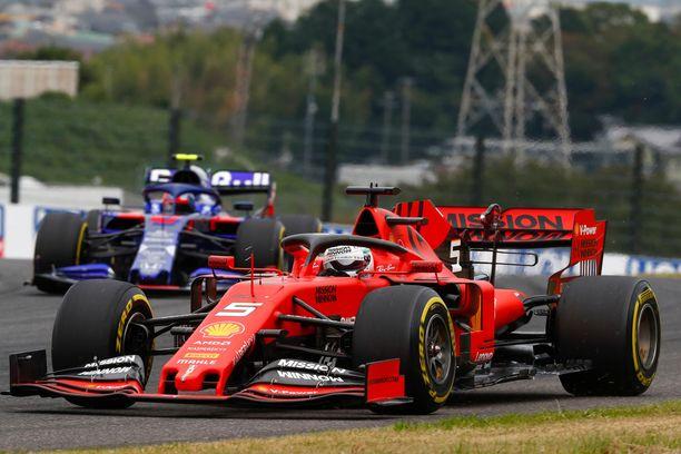 Sebastian Vettel ajoi paalulle Japanissa.