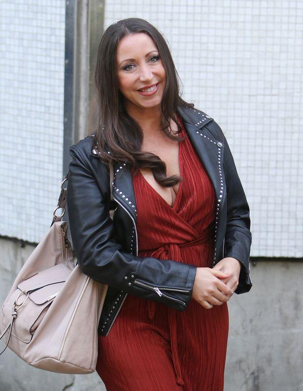 Paula Williamson on vakuuttunut siitä, että hänen kihlattunsa on muuttunut mies.