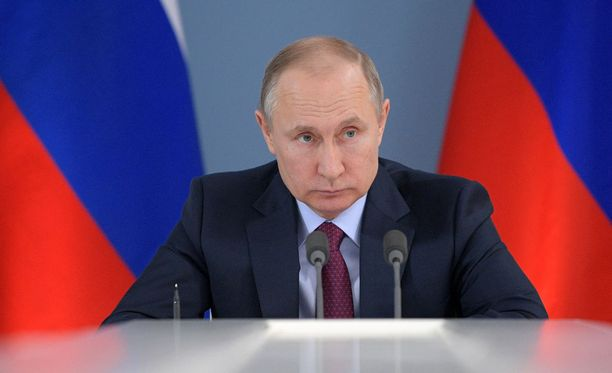 Vladimir Putin kertoi sunnuntaina Putin-nimisessä dokumentissa määränneensä matkustajakoneen ammuttavaksi alas vuonna 2014.