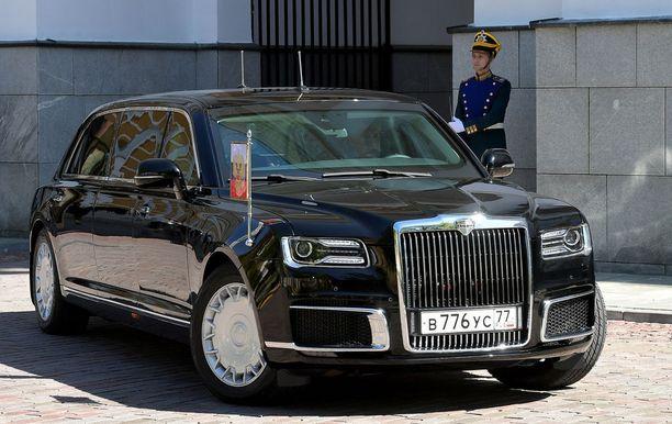 Jylhän arvokkaan näköinen uusi Venäjän edustusauto valtion johdolle.
