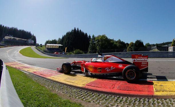 Sebastian Vettel nousi Eau Rougea perjantaina.