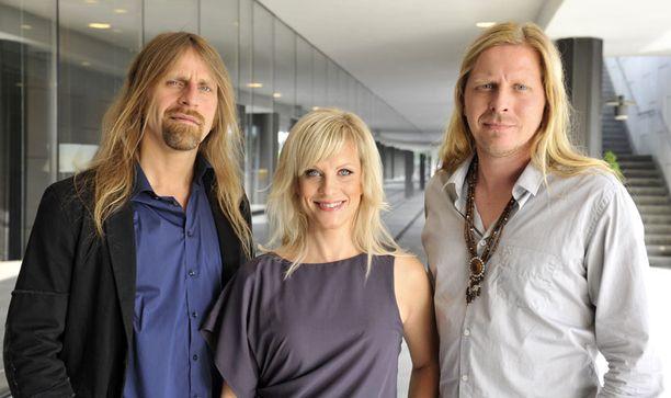 Jone Nikula, Laura Voutilainen ja Tommi Liimatainen tuomaroivat Idolsin seuraavaa tuotantokautta.