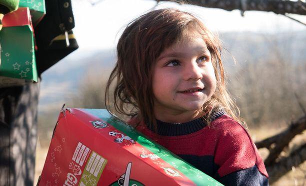 Monet Romanian lapsista eivät ole koskaan ennen saaneet joululahjaa.