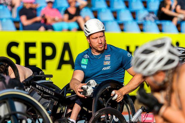 Leo-Pekka Tähti on Tokion paralympialaisten seuratuin suomalainen.