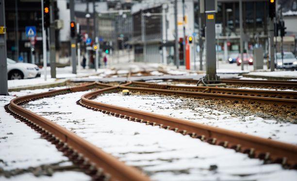Kuvituskuva. Tampereen kaupunginvaltuusto näytti vihreää valoa raitiotielle.