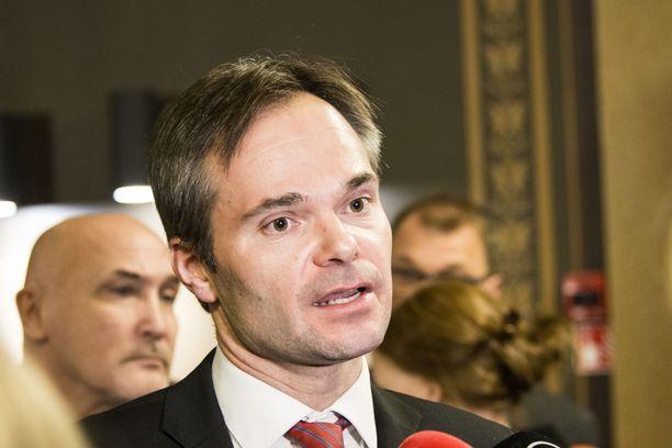 Iltalehden tietojen mukaan kokoomuksen eduskuntaryhmän johtoon on vahvoilla Kai Mykkänen.
