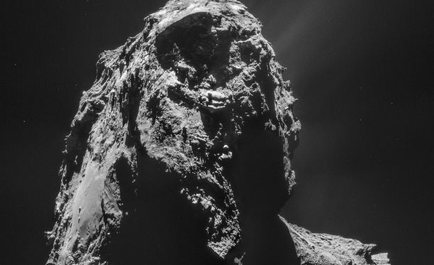 Philae-luotain on löytänyt alustavia merkkejä eloperäisistä molekyyleistä komeetan pinnalta.