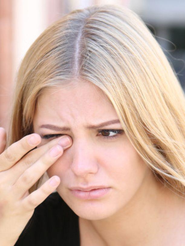 Silmän huuhtelussa kraanavesi on paras neste.