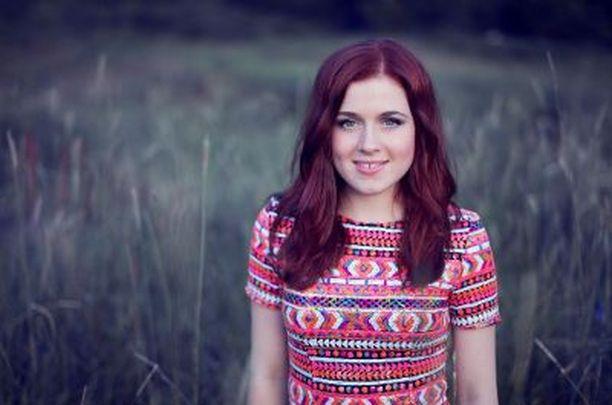 Amy Diamond tekee musiikin ja kampaajatöidensä ohessa myös juontotöitä.