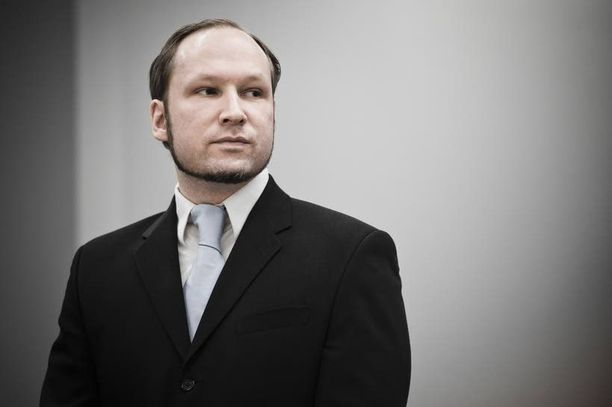 Joukkomurhaaja Anders Behring Breivik istuu 21 vuoden tuomiotaan Skienin vankilassa.