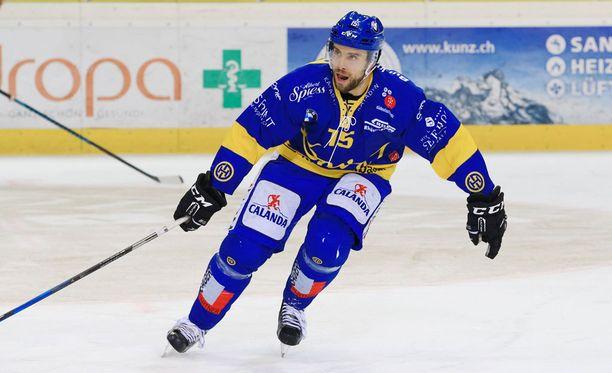Tuomo Ruutua ei hetkeen nähdä HC Davosin paidassa.