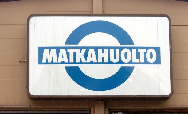 Yli puolet kaukoliikenteen bussivuoroista ajetaan perjantaina lakosta huolimatta, tiedottaa Matkahuolto.