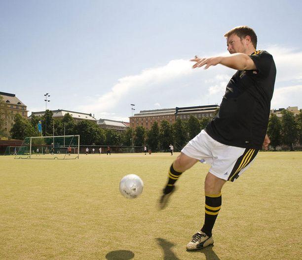 Paavo Arhinmäellä on takana pitkä jalkapalloura alasarjoissa.