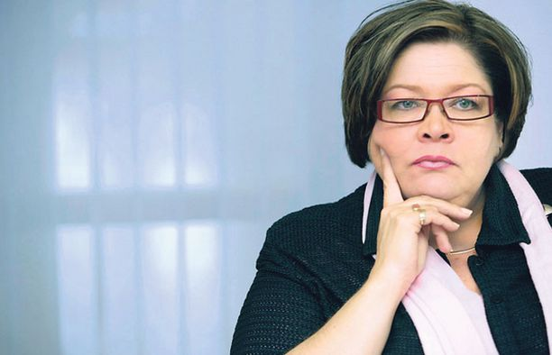 Yli 200 000 jäsenen PAM:in puheenjohtaja Ann Selinin tähti on nousussa Lauri Ihalaisen seuraajapelissä.