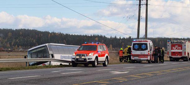 Kukaan ei loukkaantunut vaarallisen näköisessä onnettomuudessa.