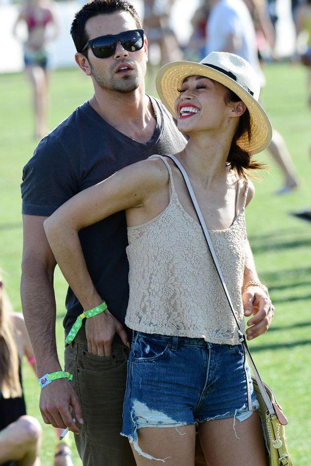 Dallas-tähti Jesse Metcalfe ja Cara Santana.