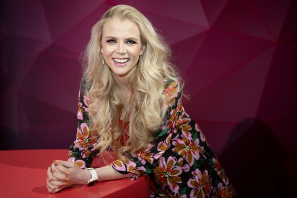 Susanna Laine ei empinyt, kun häntä pyydettiin Tuttu Juttu Show'n uudeksi juontajapariksi.