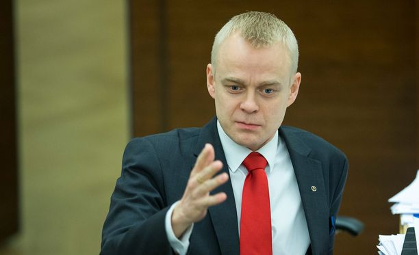 Kansanedustaja Timo Heinonen oli ryhmäjohdon esitys Veikkauksen hallitukseen.