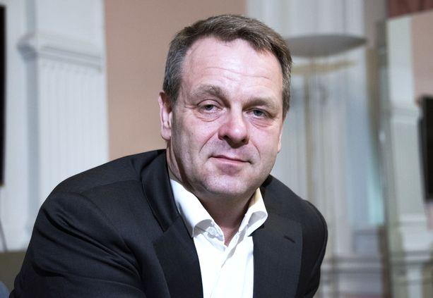 Helsingin pormestari Jan Vapaavuori toivoo tiukennuksia Avilta.