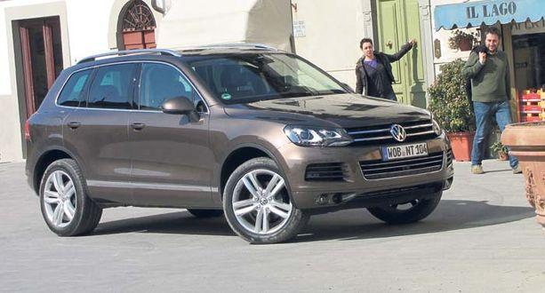 ISO GOLF Golfimaisuus nousee mieleen VW:n nykytrendin mukaisesta keulan vaakaritilämaskista.