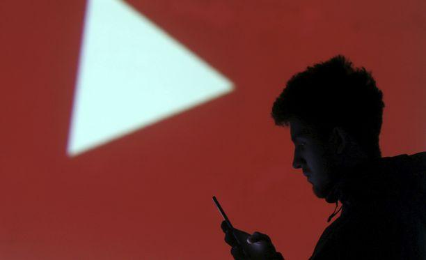 Vihapuhe on nostanut päätään Youtuben videoiden kommenttikentissä.