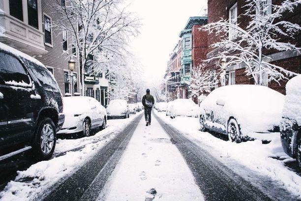 Sohjo ja jää ovat petollisia pintoja.